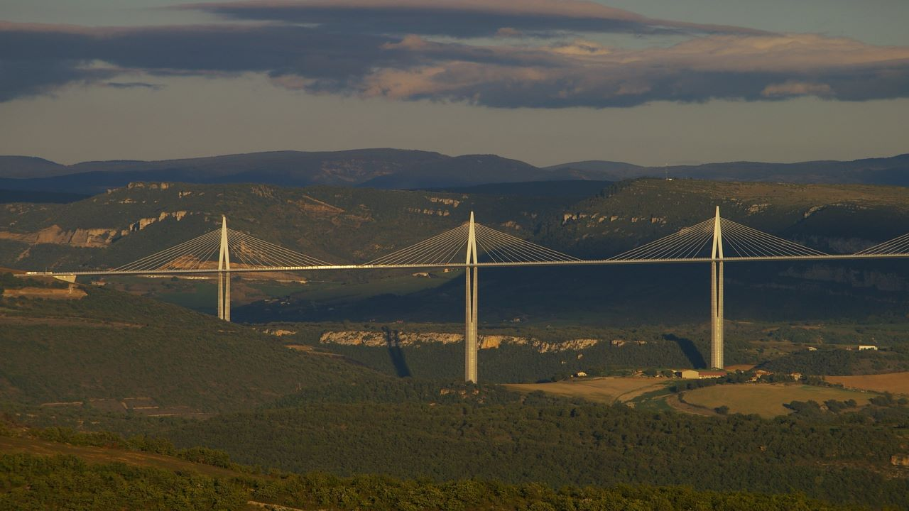 The Millau viaduct spans a 2km valley in the Massif Central mountain range. Credit: Thierry Jouanneteau / Wikipedia.