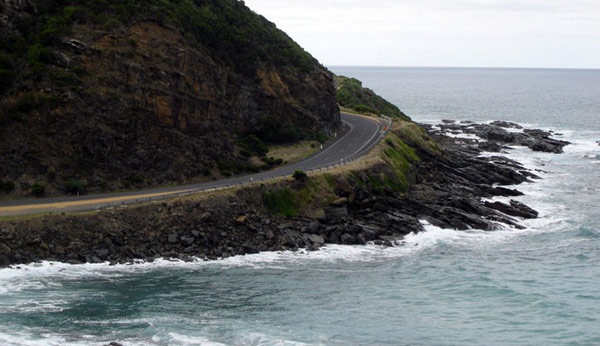 Great Ocean Road is the world's largest war memorial for World War I soldiers, Image courtesy of Summi.