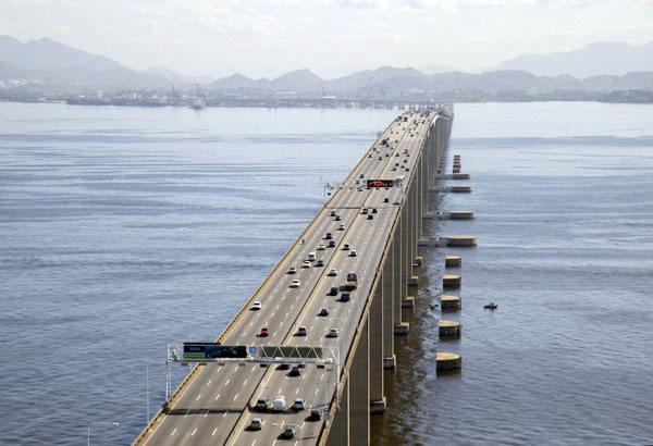 BR-101 Highway runs across the Rio-Niteroi Bridge at Guanabara Bay, in the state of Rio de Janeiro in Brazil. Image courtesy of Arthur Boppré.