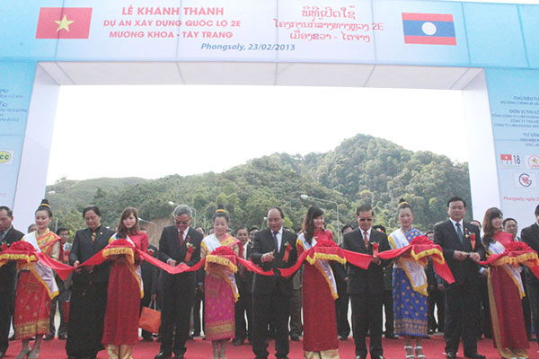 The 2E Highway connecting Vietnam and Laos was inaugurated in Phongsaly province of Laos, in February 2013. Image courtesy of Ministry of Public Works and Transport of Lao PDR Lanxang Avenue.