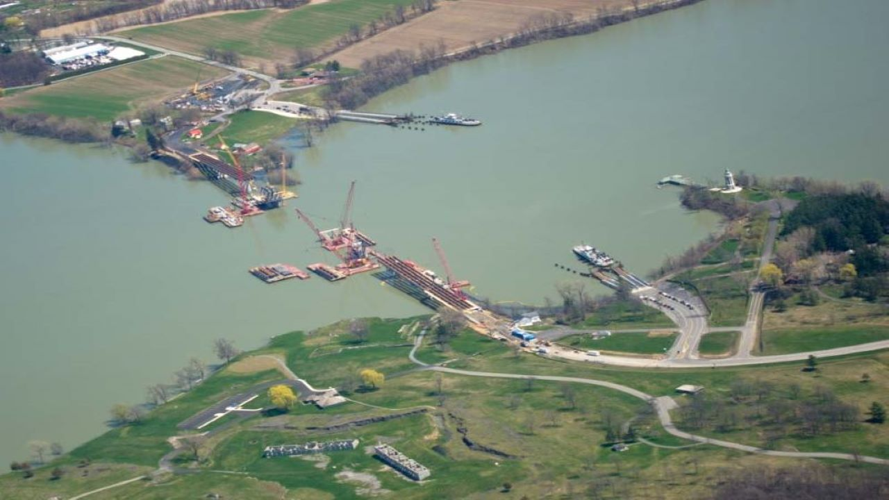 The New Champlain Bridge Corridor project involved replacement of the existing Champlain Bridge over the St Lawrence River. Credit: HopsonRoad.