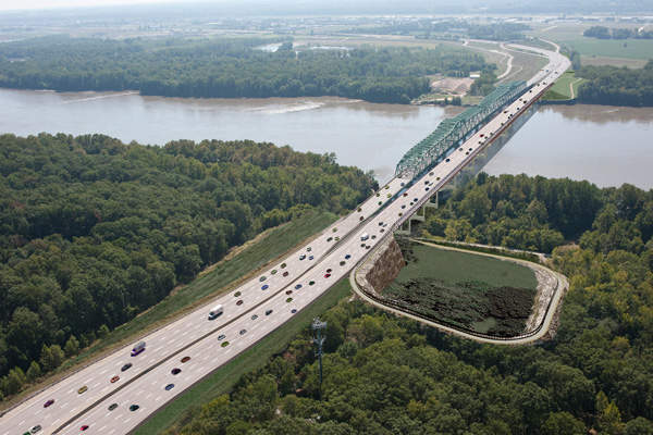 The new bridge has a minimum lifespan of 100 years. Image courtesy of Missouri Department of Transportation.