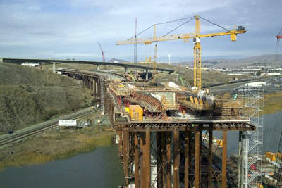 The Benicia-Martinez Bridge in an advanced state of construction.