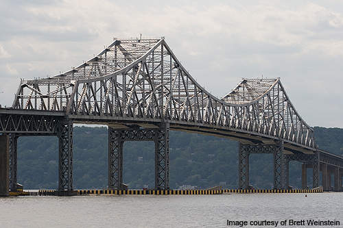Tappan Zee is a cantilever bridge located in New York over the Hudson River.