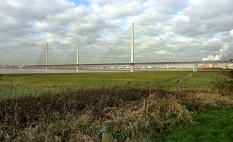 The Mersey Gateway bridge is integrated with the existing principal road network to transfer about 80% of the traffic from the Silver Jubilee Bridge.