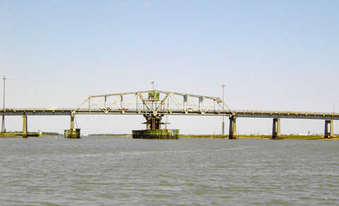 The Ben Sawyer Bridge connects the towns of Sullivan's Island and Mount Pleasant.