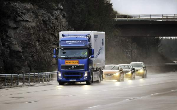 The SARTRE project went into the final phase with the demonstration of a road train at the Hällered proving ground in Sweden. Image courtesy of Volvo Car Corporation.
