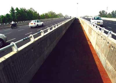 One of the flyover sections of the Delhi to Gurgaon expressway completed in late 2004.