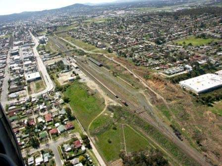The upgrade of the Hume Freeway through Albury-Wodonga, is an extension of the Hume Freeway from Wodonga to Ettamogah.