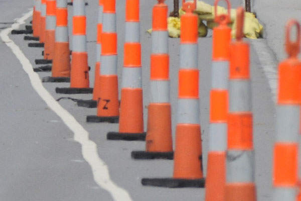 Traffic is being directed through the project work zone via signage and cones. Image courtesy of HNTB Corporation.