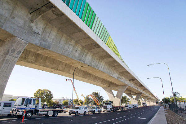 The South Road Superway (North South Motorway M2) extends from Port River Expressway to Regency Road. Image courtesy of South Australia Department of Planning, Transport and Infrastructure.