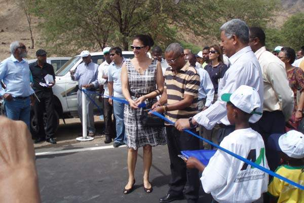 The Orgãos and Pedra Badejo road in was opened on 6 June 2009.