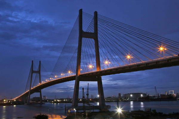 The 2km-long bridge will cross the Saigon River.
