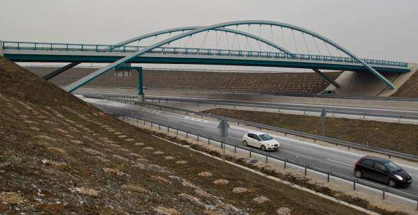 R1 or PR1Bina is a 52km long dual two-lane expressway in Slovakia. Image courtesy of Granvia.