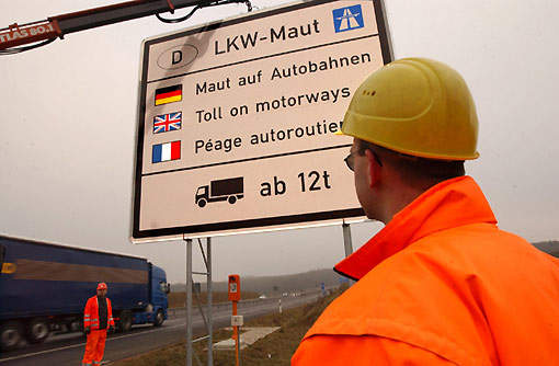 In January 2005 a new toll system was introduced on the 12,000km of German autobahn for all trucks with a maximum weight of 12t and above.