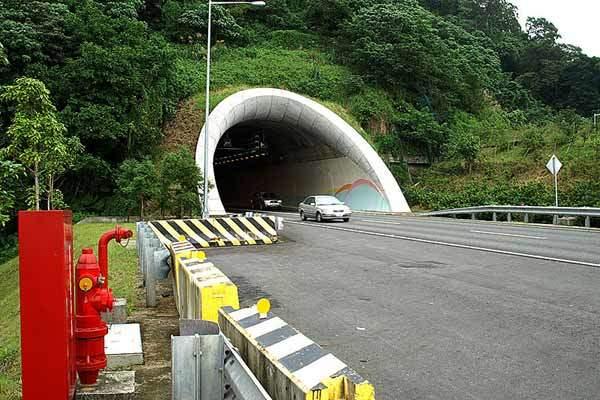 Xueshan Tunnel East.