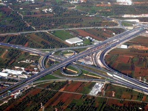 The Attiki Odos motorway has been constructed to high design standards, ensuring its safety.