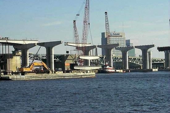 A view of the Fuller Warren bridge under construction