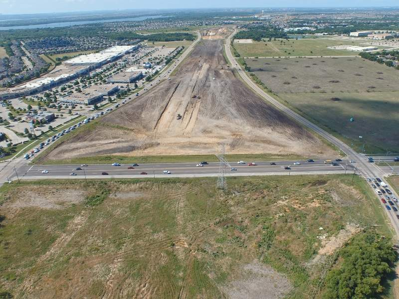 The extension of State Highway 360 (SH 360) South road from Green Oaks Boulevard to the US 287 commenced in October 2015. Image courtesy of Texas Department of Transportation.
