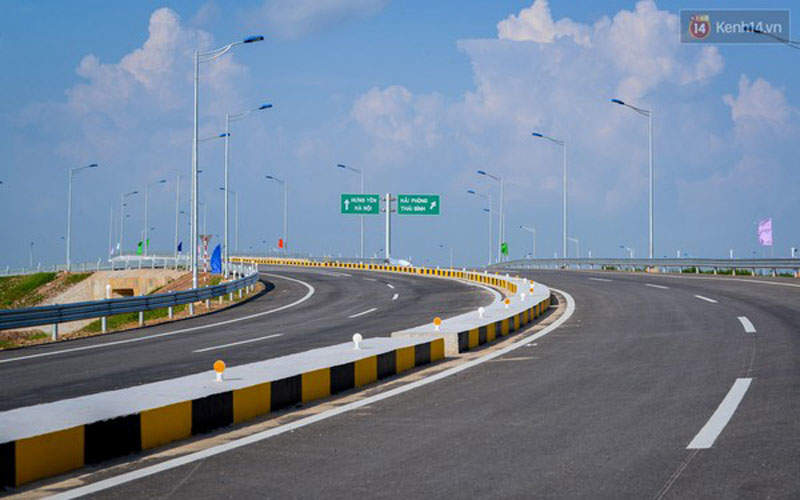 The Hanoi-Haiphong Expressway is a 105.5km-long, six-lane highway in northern Vietnam. Image courtesy of China Road and Bridge Corporation.