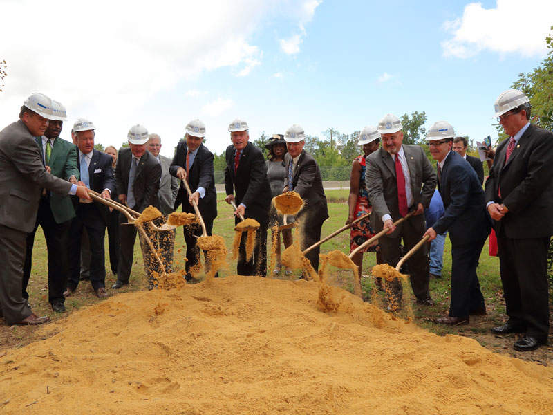 The Interstate 64 (I-64) highway improvements project broke ground in September 2015. Credit: Virginia Department of Transportation.
