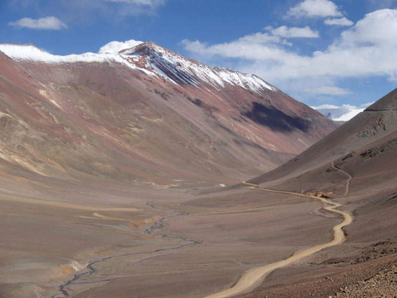 The Agua Negra Tunnel will link Argentina and Chile through the Andes mountains. Image courtesy of Vrac.