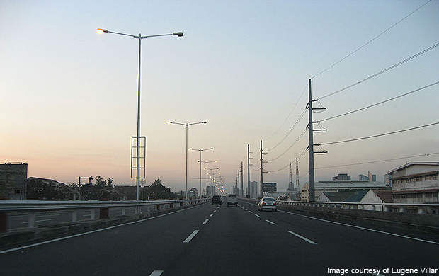 Metro Manila Skyway of the South Luzon Expressway looking northbound.
