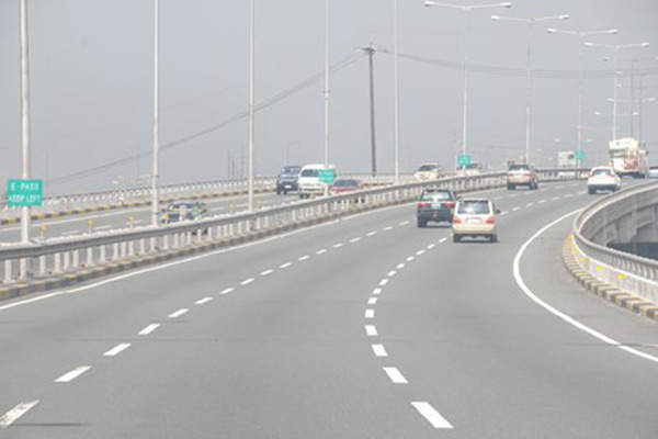 The Tarlac City to Gerona section one A was opened for public in October 2013. Image courtesy of Department of Transportation and Communications Republic of the Philippines.