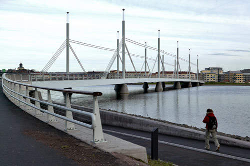 The bridge was built to relieve traffic congestion in the town of Jönköping.