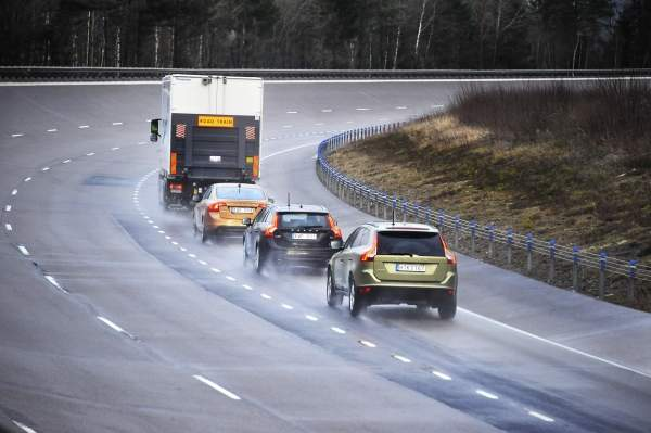 The cars in platoon can run at a speed of about 90km/h with a 6m gap between them. Image courtesy of Volvo Car Corporation.