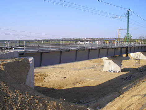 Construction work between M31 and M3 at Gödöllo was initiated in March 2009 and completed in August 2010.