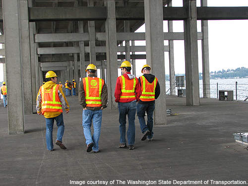 Inspection of the SR 520 floating bridge by the WSDOT team.