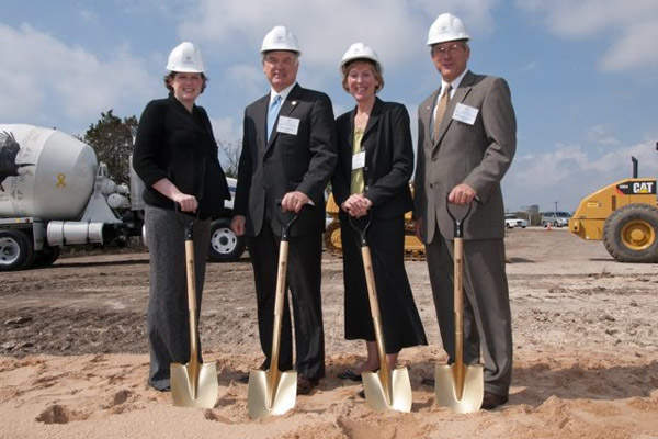 The ground breaking ceremony for the Manor Expressway project was held in March 2010.
