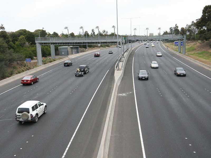 The CityLink-Tulla Road widening includes addition one extra lane per direction between the Bolte Bridge and Melbourne Airport. Image courtesy of Marcus Wong Wongm.