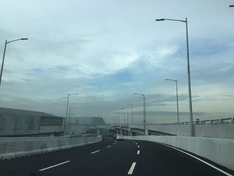 The NAIA expressway phase two features a 2.22km-long at-grade feeder road. Image courtesy of RioHondo.