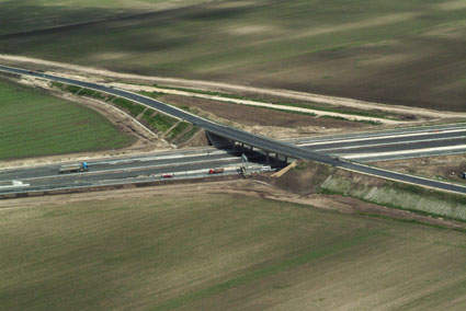 Completed in March 2010, phase III of the M6 project is operated and maintained by M6 Tolna Uzemelteto Kft.
