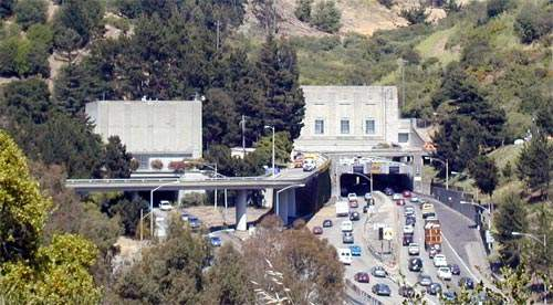 The western entrance to Caldecott tunnel.
