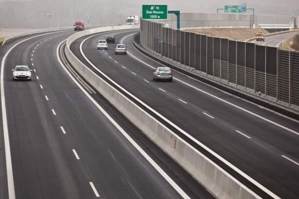 R1 Expressway Slovakia connects major international interconnects such as E58, E77, E571, E572. Image courtesy of Granvia.