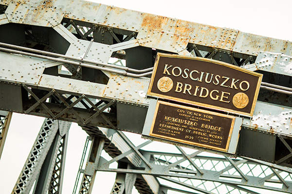 The ageing Kosciuszko Bridge will be demolished after parallel new bridge structures are built. Image courtesy of Thomas Hawk.