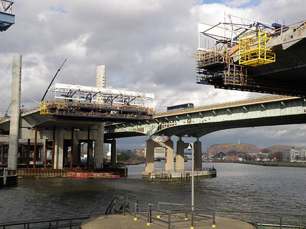 Construction on the extradosed cable-stayed bridge began in 2008.