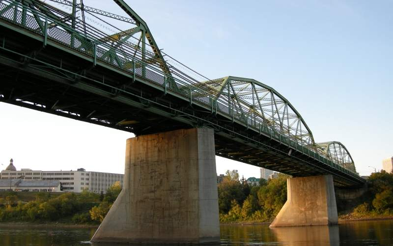 The old  Walterdale Dridge, a steel grating-decked bridge, will be dismantled in late 2017. Image courtesy of Smackaay.