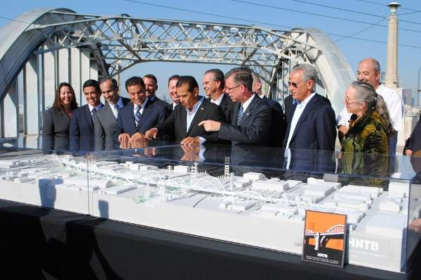 HNTB won the international design competition for the design of the Sixth Street Viaduct in October 2012.