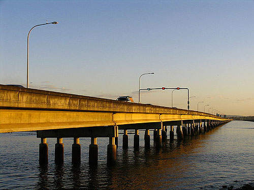 The Ted Smout Memorial Bridge is a duplication of the existing Houghton Highway bridge.