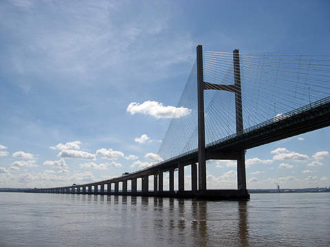 The £600m Mersey Gateway project relieves the road traffic congestions on the existing Silver Jubilee Bridge, which serves approximately 80,000 vehicles per weekday.