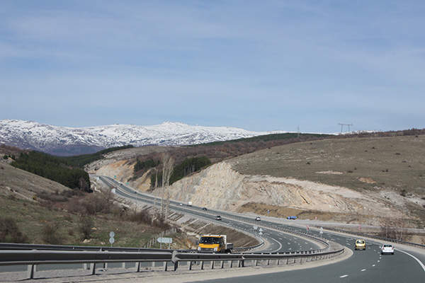 Struma Motorway aims to provide a fast and safe trans-European connection for motorists and carriers. Image courtesy of Apostoloff.
