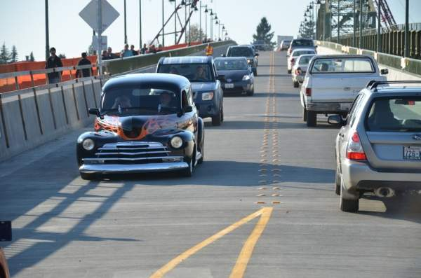 The Manette Bridge has 11ft-wide lanes for motorists. Image courtesy of WSDOT (Washington State Dept of Transportation).