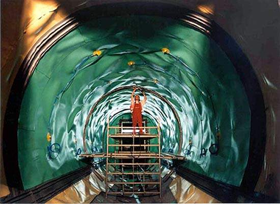 Inside the 8m cylinder hydro shield under the Westerschelde.