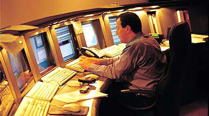 Entry and exit data are sent to the roadside computer and then via fiber optic cable to the Operations Centre.