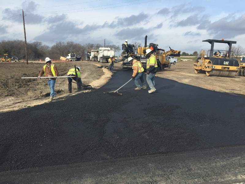The traffic on the SH 360 south toll road is expected to increase up to 174,000 drives a day by 2030. Image courtesy of Texas Department of Transportation.