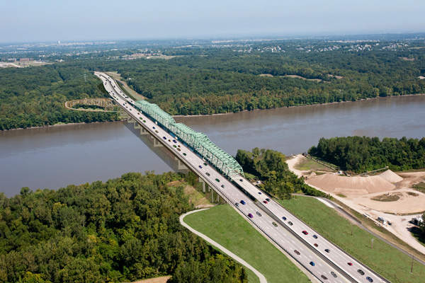 The new I-64 bridge looking west toward St. Charles County. Image courtesy of Missouri Department of Transportation.